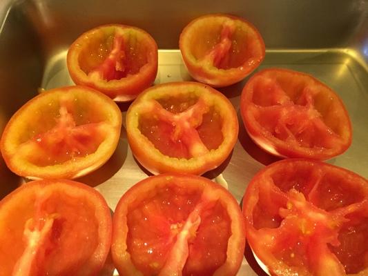 鑲烤蕃茄盅 Stuffed Tomatoes