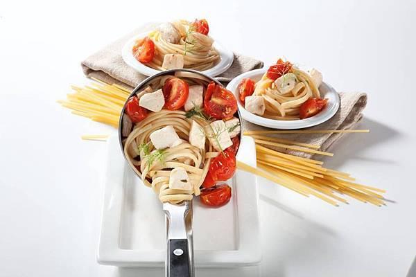蕃茄旗魚細扁麵
