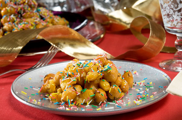 STRUFFOLI (SMALL TRADITIONAL FRITTERS)