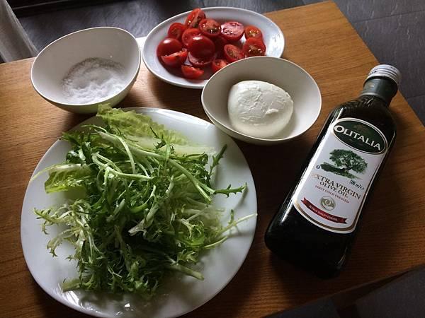 【義大利小朋友食譜】莫札瑞拉起司生菜沙拉