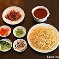 韓式泡菜醬煙燻鴨肉義大利麵_01.jpg