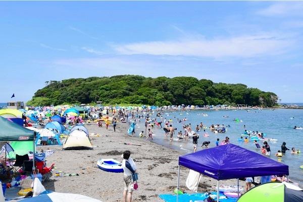 沖ノ島海水浴場.jpg