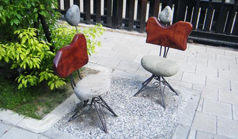 東大椅子.jpg