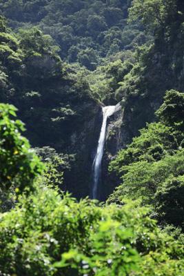 羅山瀑布.jpg