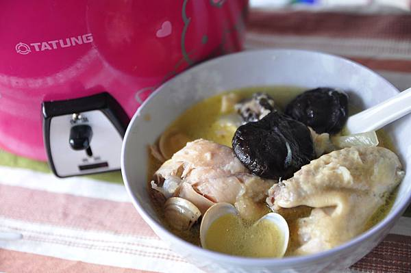 蒜頭香菇雞湯6