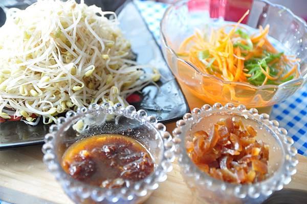 肉燥拌銀芽 (2)