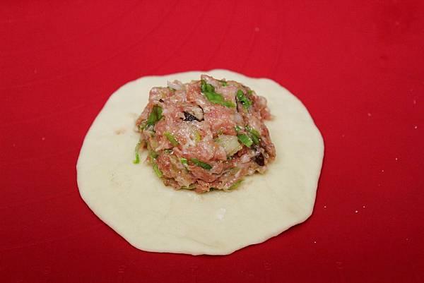 蔥花香菇肉包4