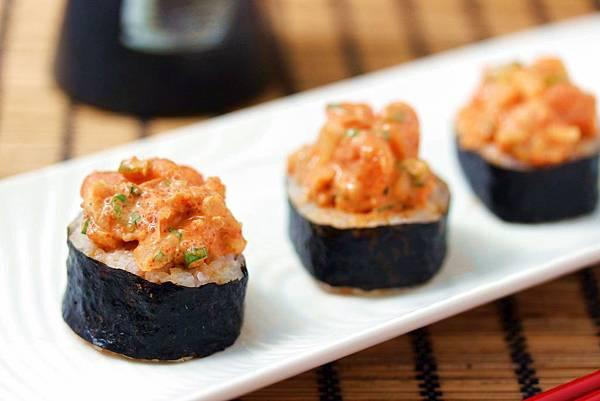 辣鮭魚泡菜卷