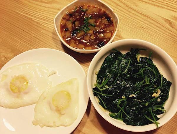 清炒地瓜葉、糖心荷包蛋、麻婆蘿蔔丁