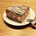 深夜裡的法國手工甜點:白色乳酪草莓塔佐法國栗子泥