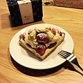 深夜裡的法國手工甜點:草莓塔