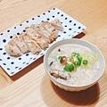 早餐:雞蓉蕈菇粥、香煎雞胸肉