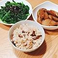 阿乃私廚: 晚餐~ 麻油雞炊飯!!
