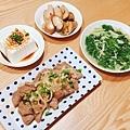 阿乃私廚: 香煎牛小排、蒜炒莧菜、豆腐兩道~
