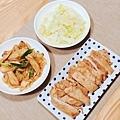 香蒜炒高麗菜、蔥燒杏鮑菇、香煎里肌豬排
