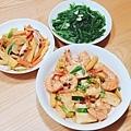 紅燒豆腐蝦、什錦蔬菜、蒜炒A菜