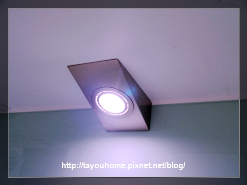 照明燈.jpg