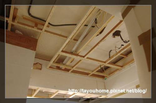 廚房已拆除天花板1.jpg
