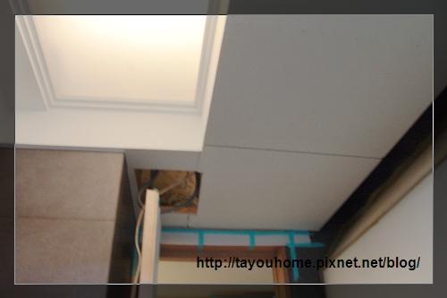客浴天花板完工2.jpg