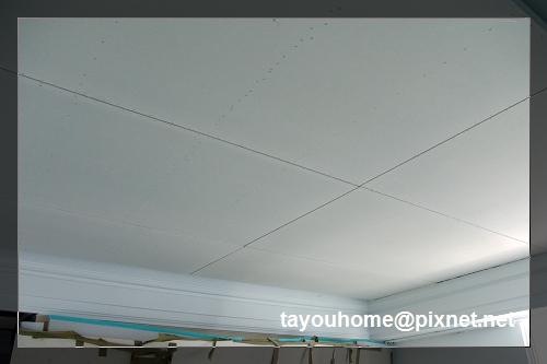 主臥天花板完工1.jpg
