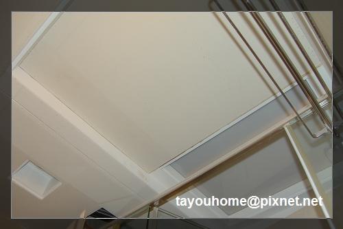 主臥浴室天花板完工2.jpg