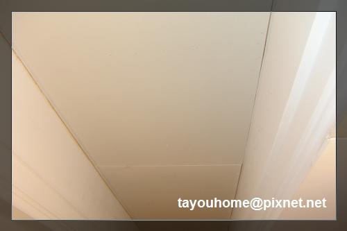 主臥更衣室天花板完工.jpg
