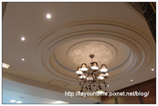 餐廳天花板2.jpg