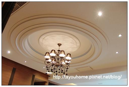 餐廳天花板1.jpg