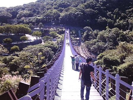 白石湖吊橋入口處