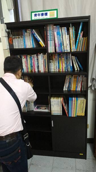 11月份更新青年書櫃-南區南和里活動中心.jpg