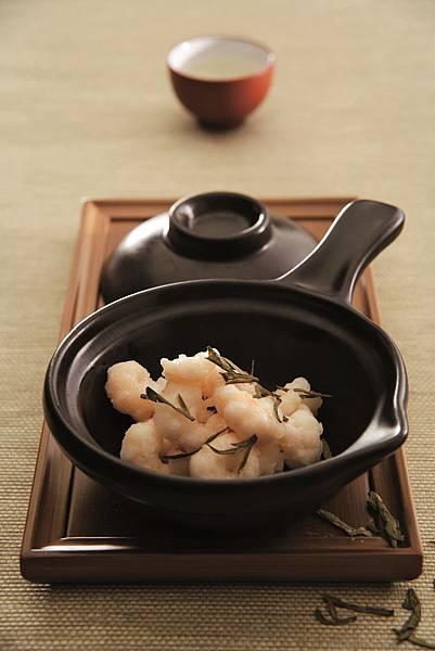 亞都麗緻天香樓經典午餐套餐,將可品嚐包含龍井蝦仁等杭州名菜.jpg