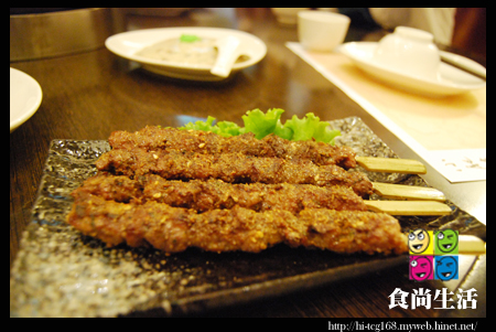 小肥牛蒙古鍋-新疆串燒.JPG