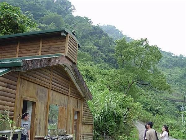 這間小木屋是廁所喔