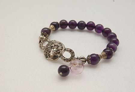 紫水晶手鍊有配飾.JPG