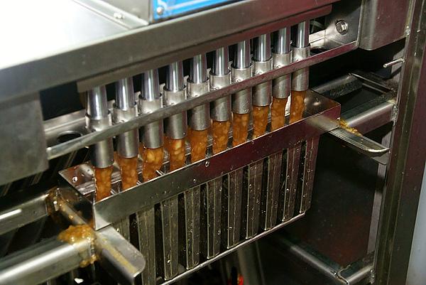 寒暑假教師電力研習,台電電廠冰棒製作2