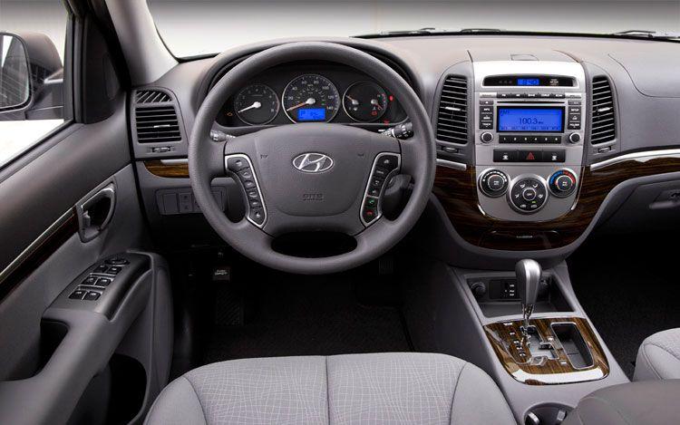2011-Hyundai-Santa-Fe-8.jpg