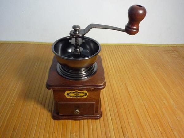 第一個入手的磨豆機,只能當裝飾品
