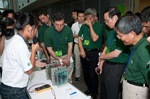 作品展示與操作-10.微生物燃料電池污水處理系統-2