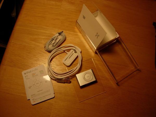 iPod shuffle包裝所有內容物