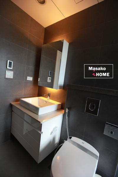 bathroom09.jpg