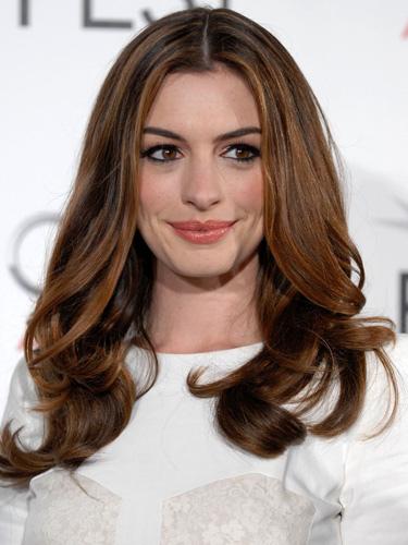 anne-hathaway-brunette-hair