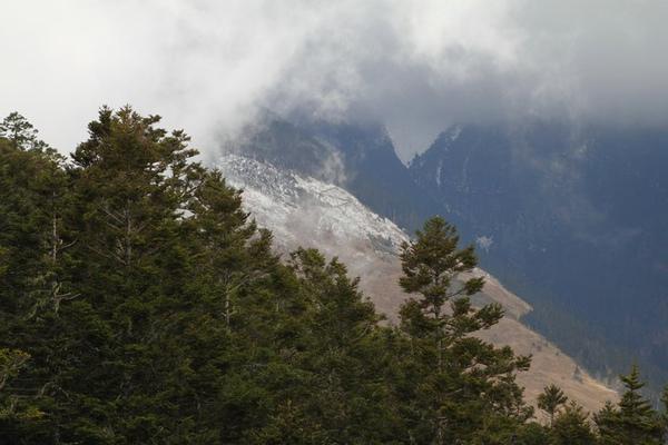 雪山美景 (9).bmp