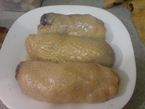 冷卻後的雞腿