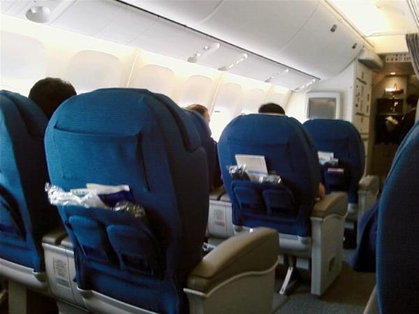 左側兩個位子