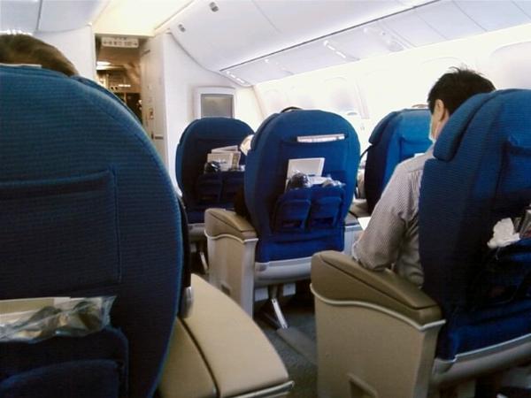 右側兩個位子