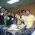 乾杯,實驗室聚餐成功