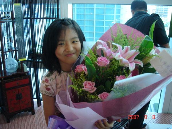謝謝KIKI送的花~~~