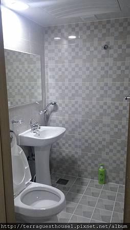 R12 海景4~6人房 衛浴設備