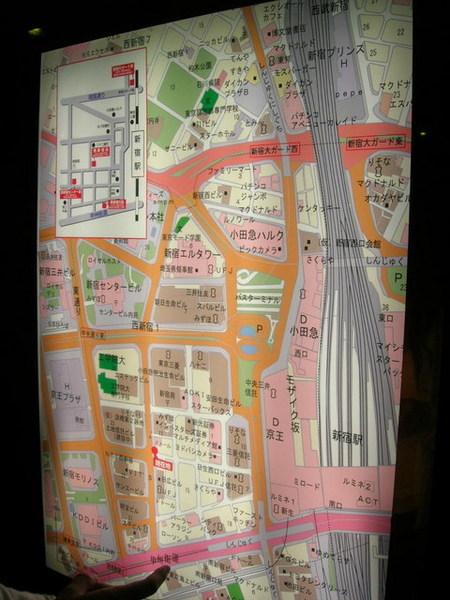 路邊隨邊都有地圖...整個就是很貼心的城市