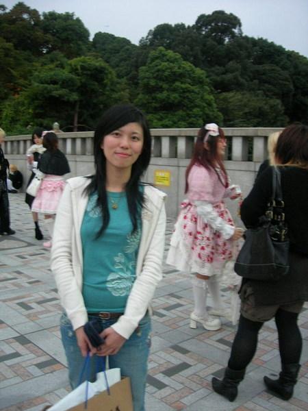有沒有看到...明治神宮前廣場都這種cosplay